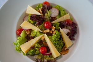 Manchego cheese salad